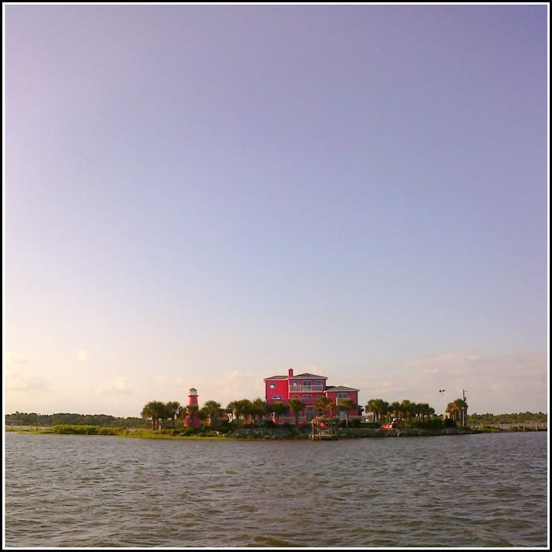 PP Pink house on boat
